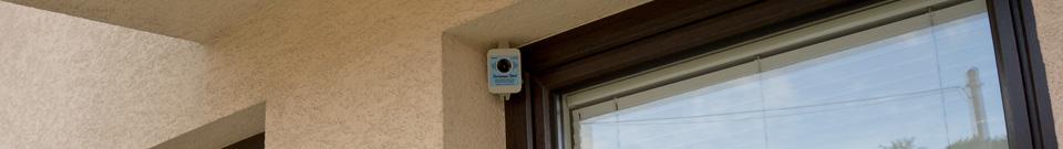 Umístění plašiče-odpuzovače na ptáky Deramax-Bird venku-recenze